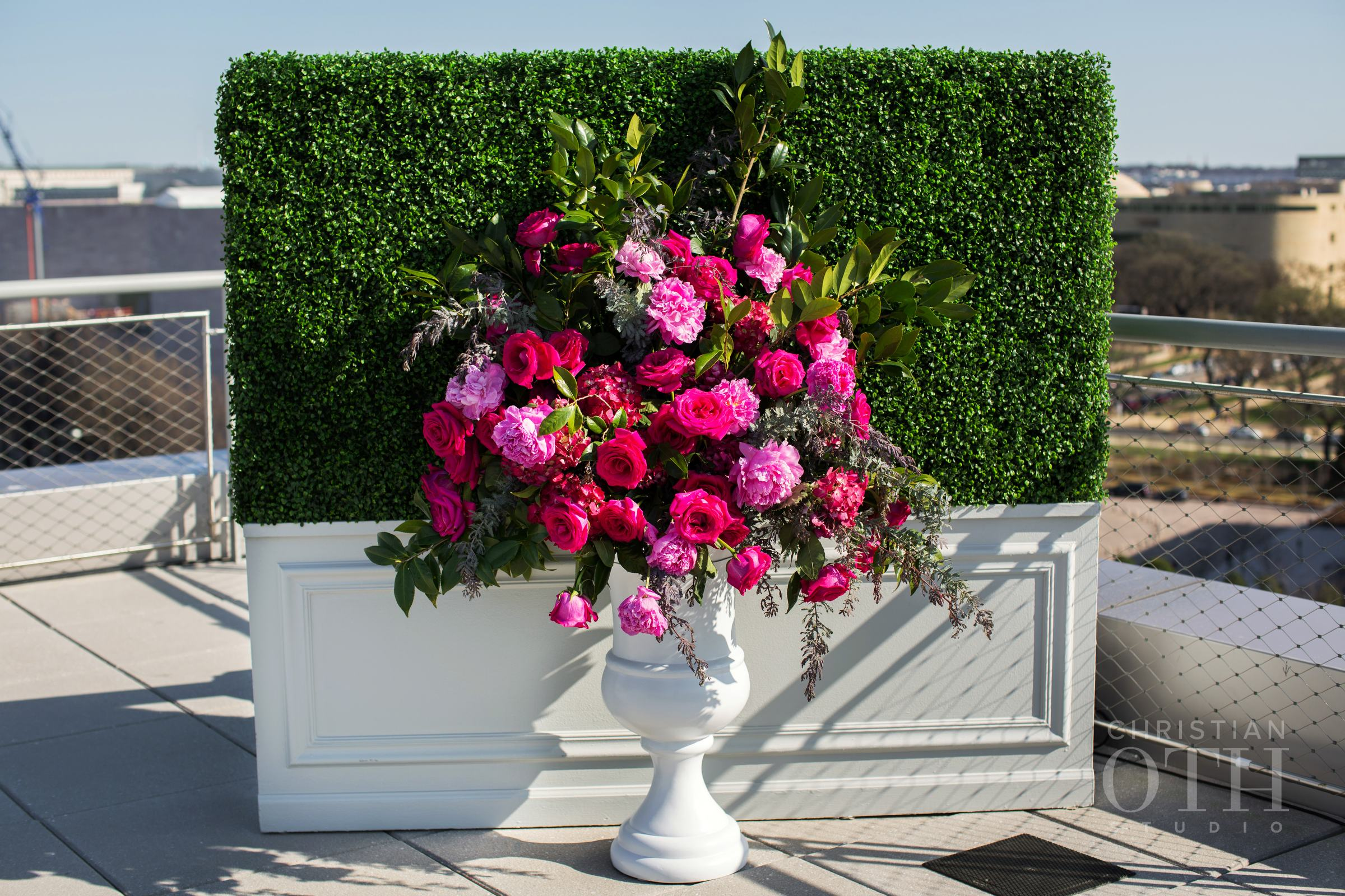 HEDGE WALL CEREMONY PLANTERS