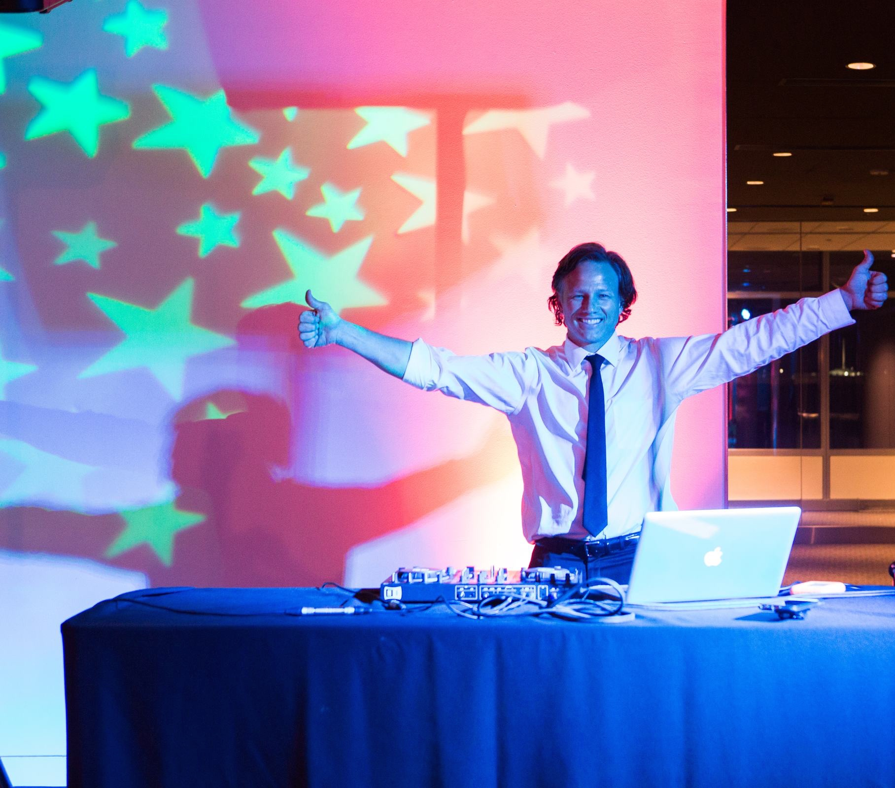 DJ RAY JARRELL SPINNING ALL NIGHT