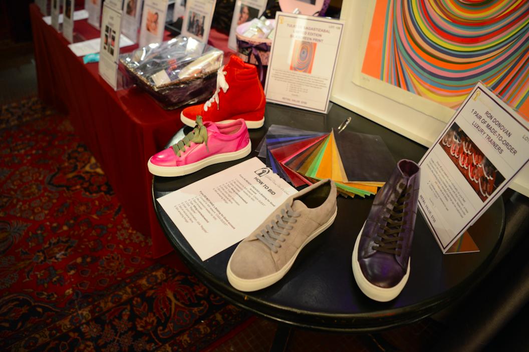 Ron Donovan custom shoe auction item