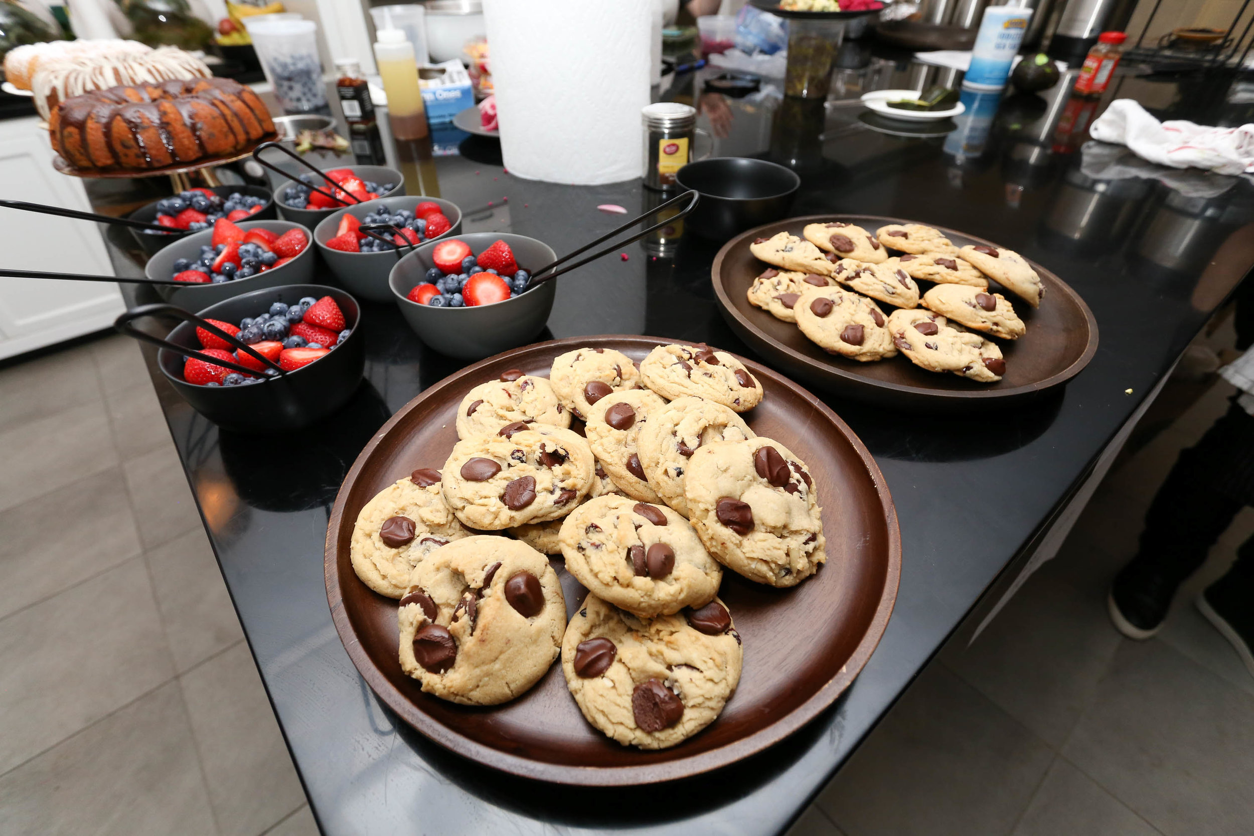 Fresh berries and delicious chocolate chip cookies