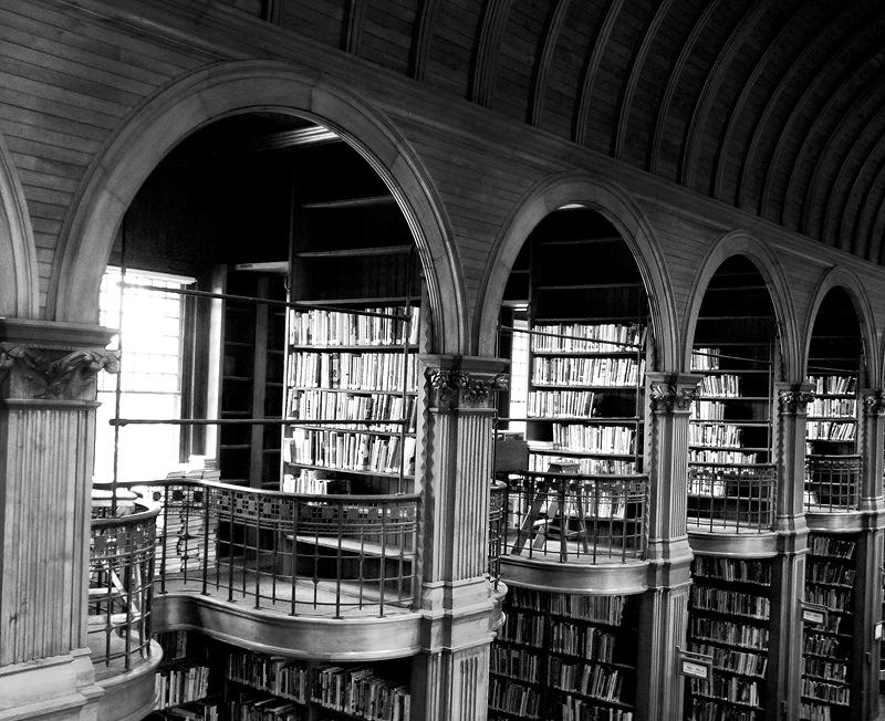 books2bw.jpg