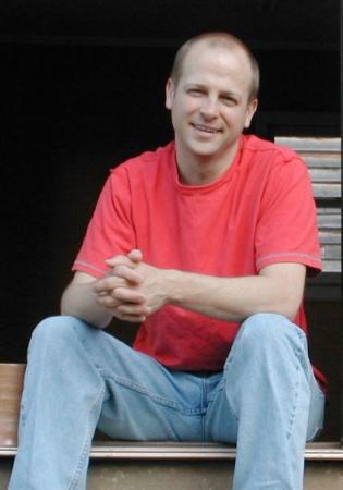 Profile_redshirt.jpg