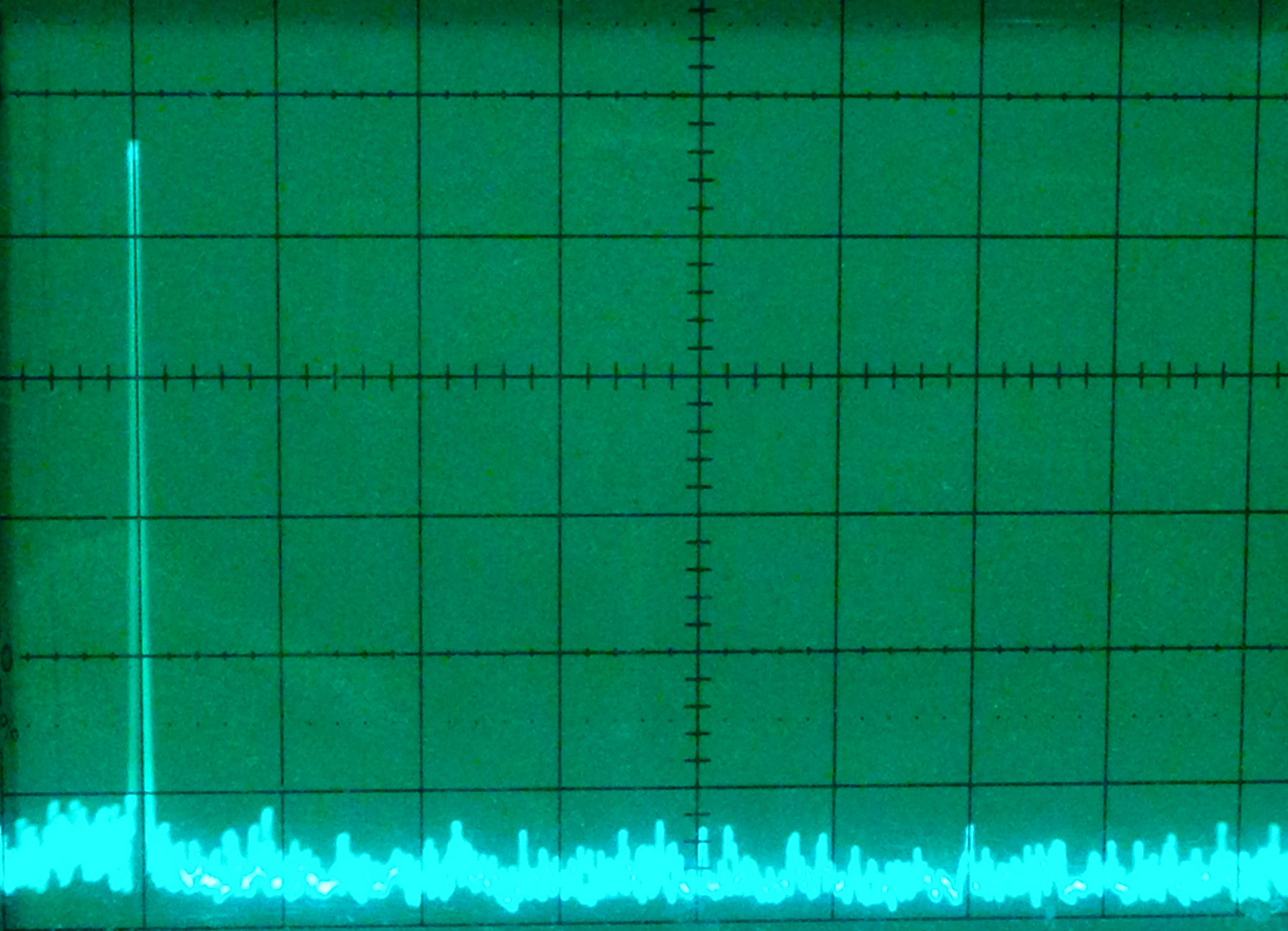 AD9851 with a 7MHz signal on the spectrum analyzer. (5MHz horizontal steps)