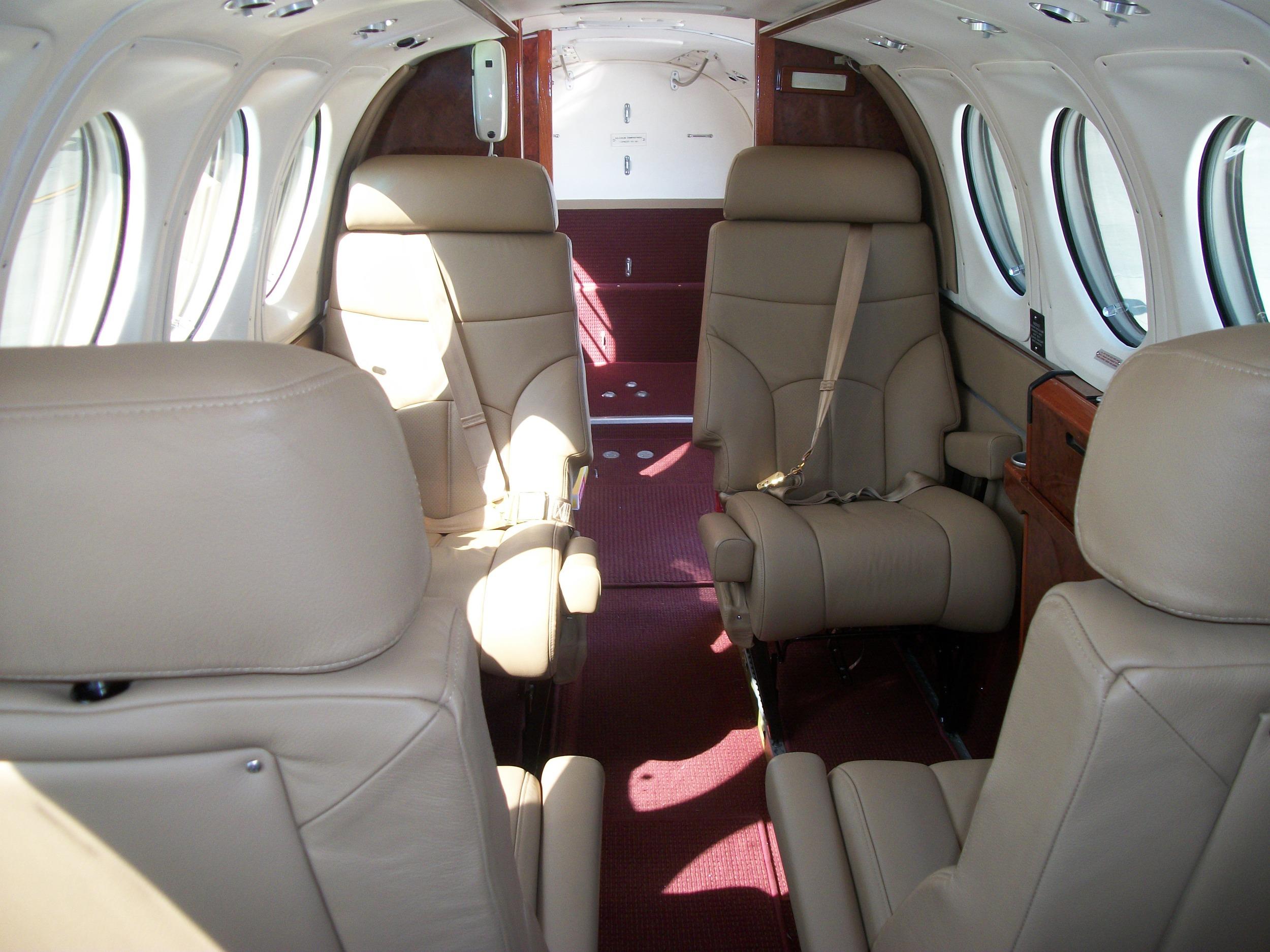 King Air 200 N48CV 014.jpg