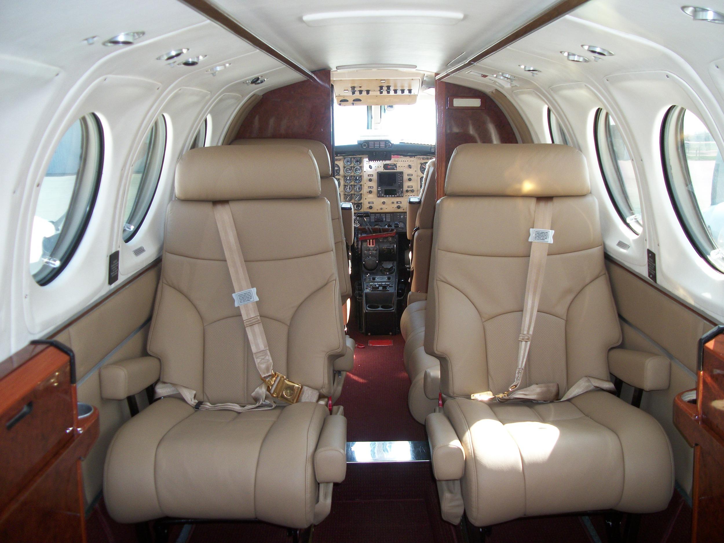 King Air 200 N48CV 011.jpg