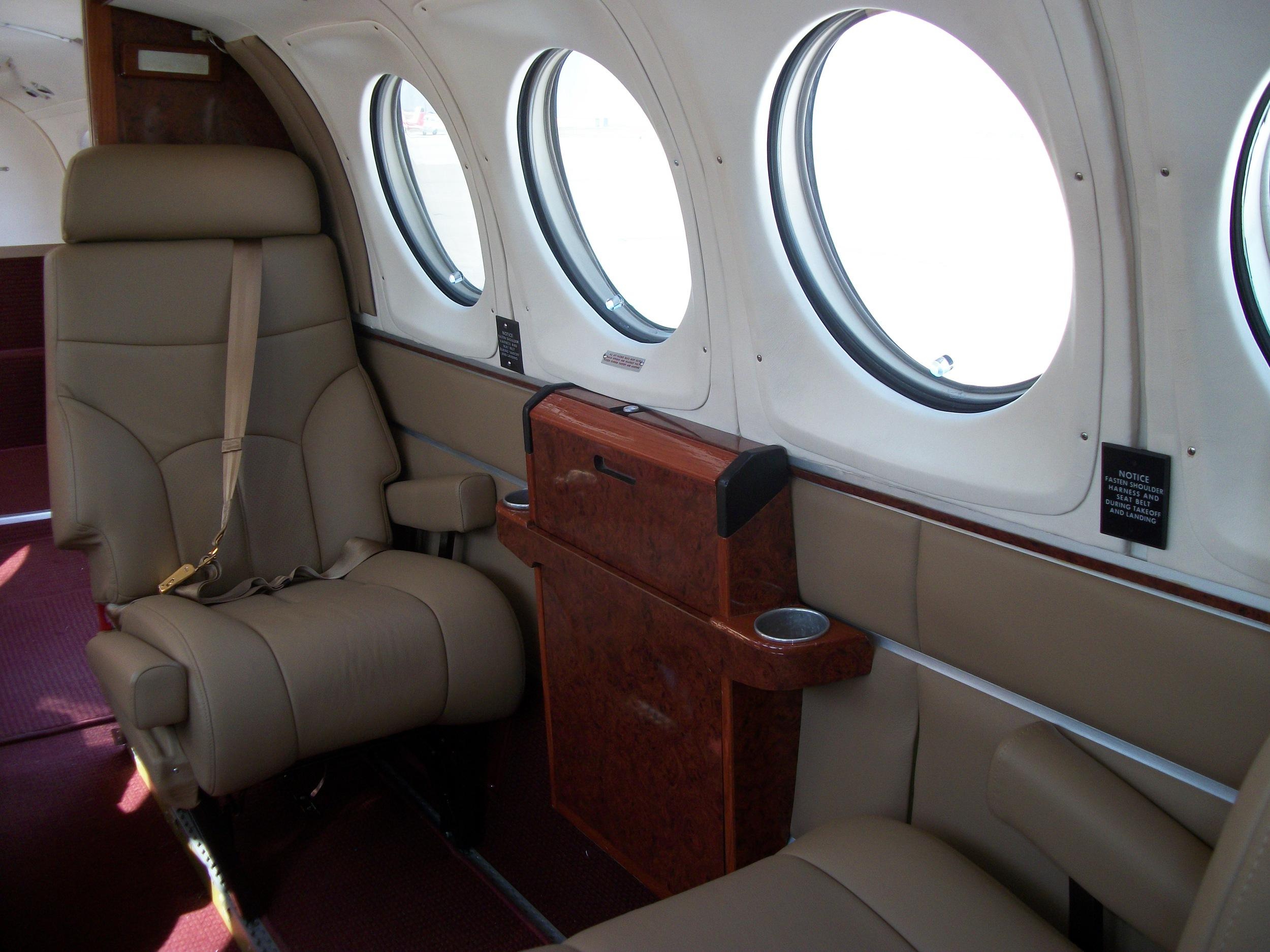 King Air 200 N48CV 015.jpg