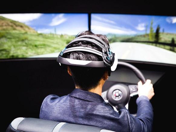 Nissan_BraintoVehicle-TopArt.jpg