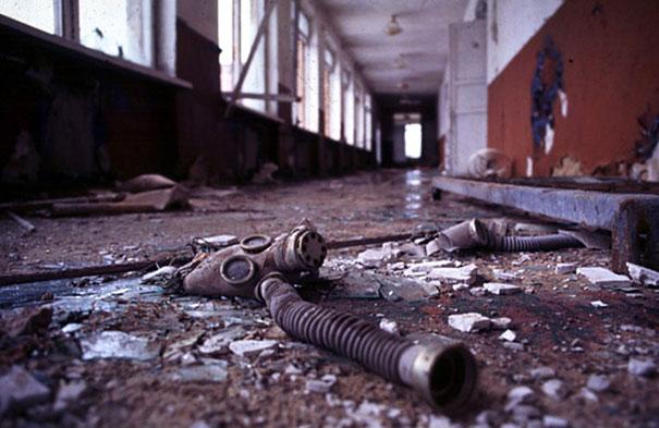 Chernobyl-Photos-school1.jpeg
