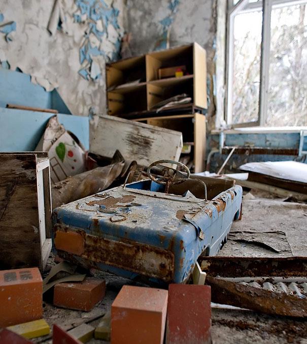 Chernobyl-Photos-toys1.jpeg