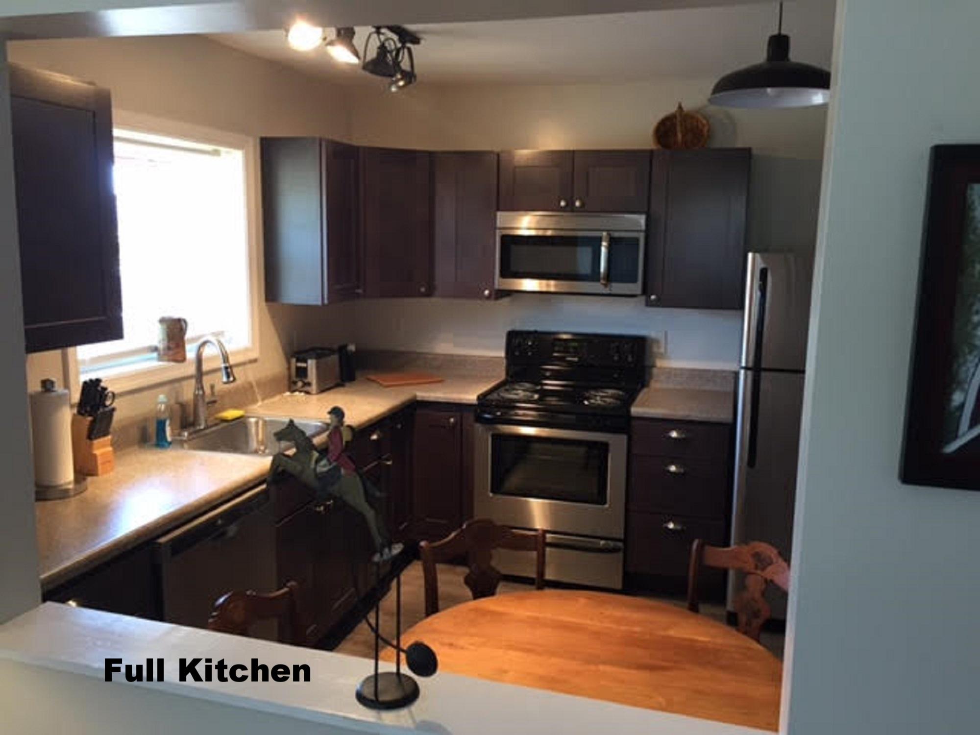 Barn Apt. Kitchen 2 resized.jpg