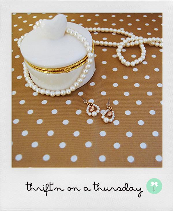 vintage_ceramic_jewelry_box_gold_white_polka_dot_table_runner_pearls2.jpg