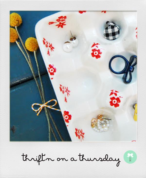 anthropologie_red_flowers_jewelry_holder_vintage_painted_ceramic_egg_rack.jpeg