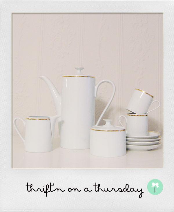 vintage_tea_set.jpg