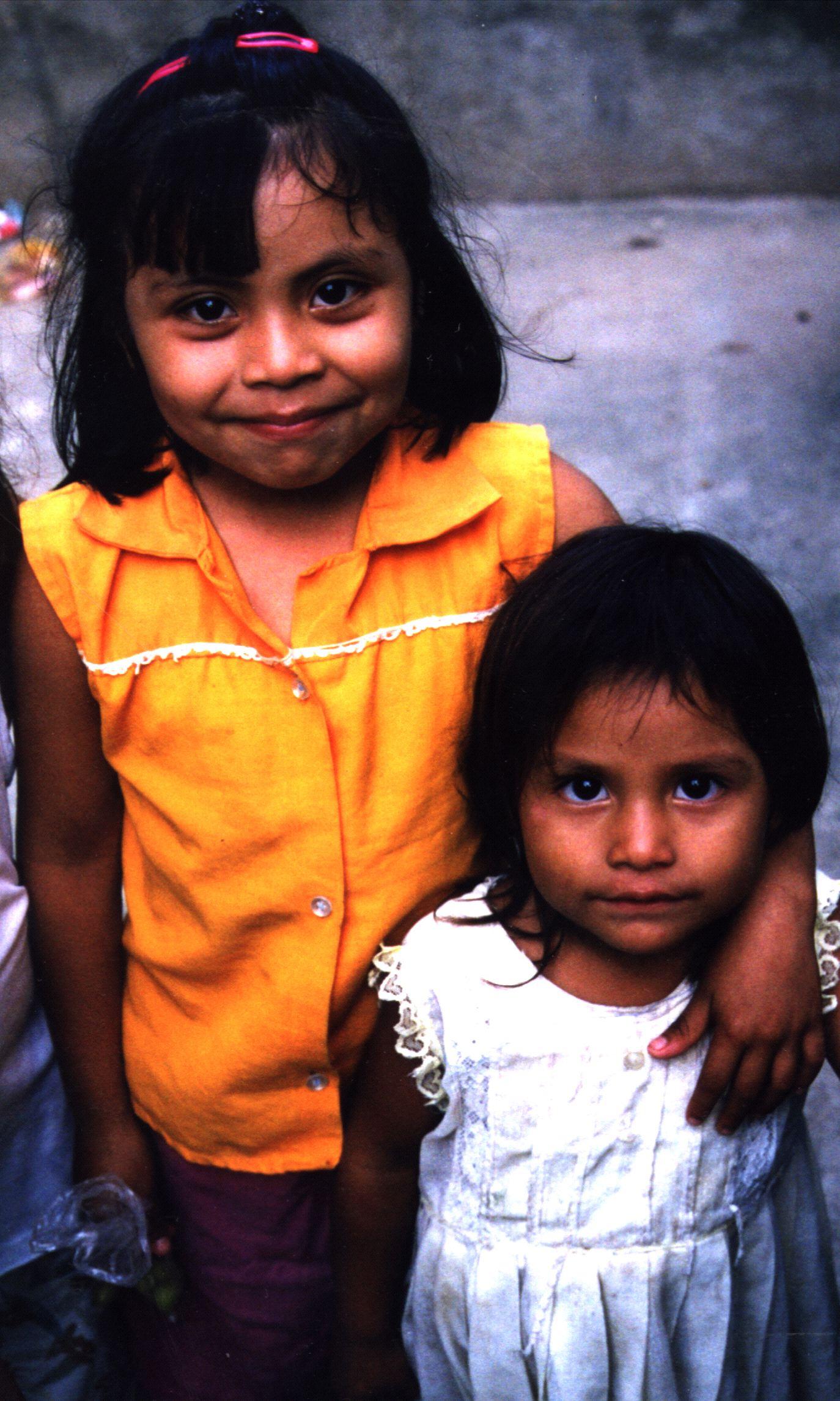Salvadorgirls.jpg