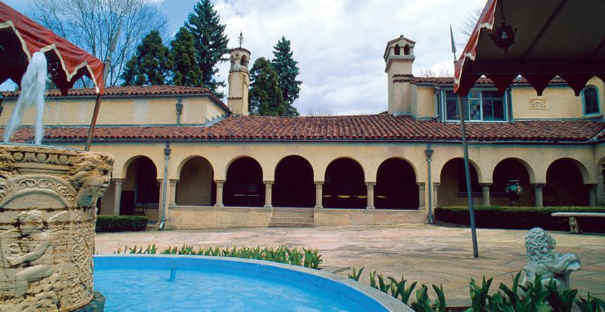 3_Courtyard.jpg
