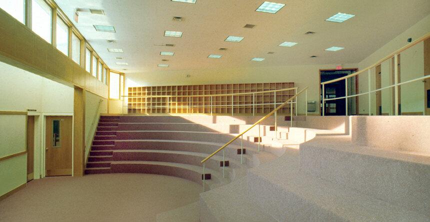 3_Amphitheater.jpg