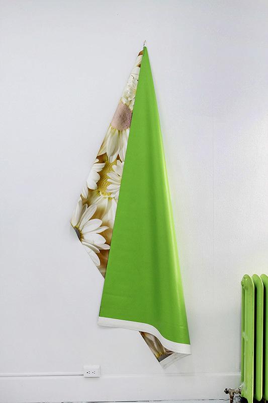 Daisies / Clover Green
