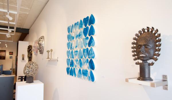 Masks-and-Identity_Dale-Dunning-and-Jim-Hake_Sivarulrasa-Gallery2-300x175@2x.jpg
