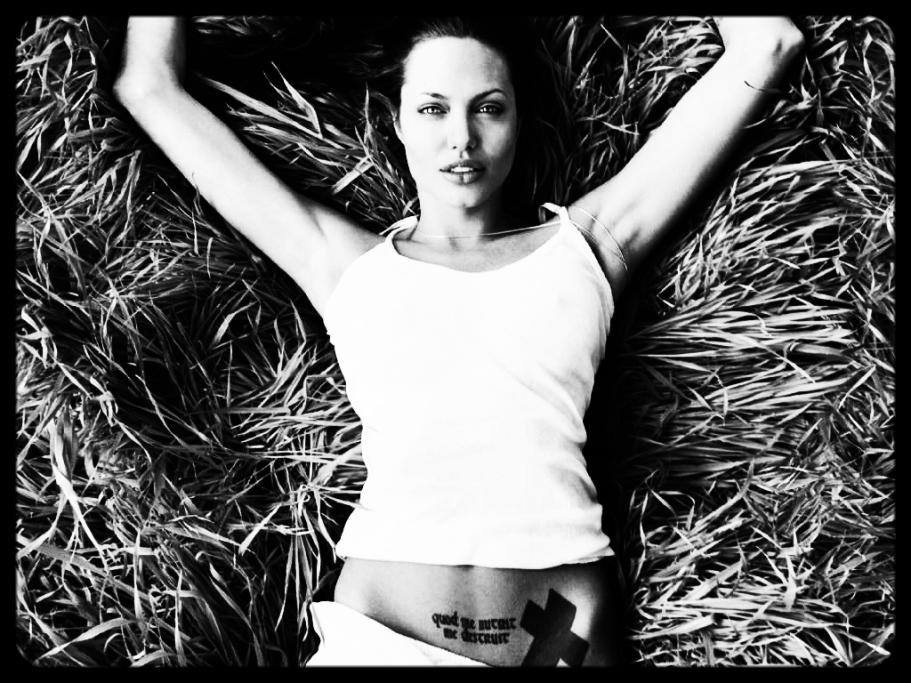 Angelina-Jolie-5.JPG