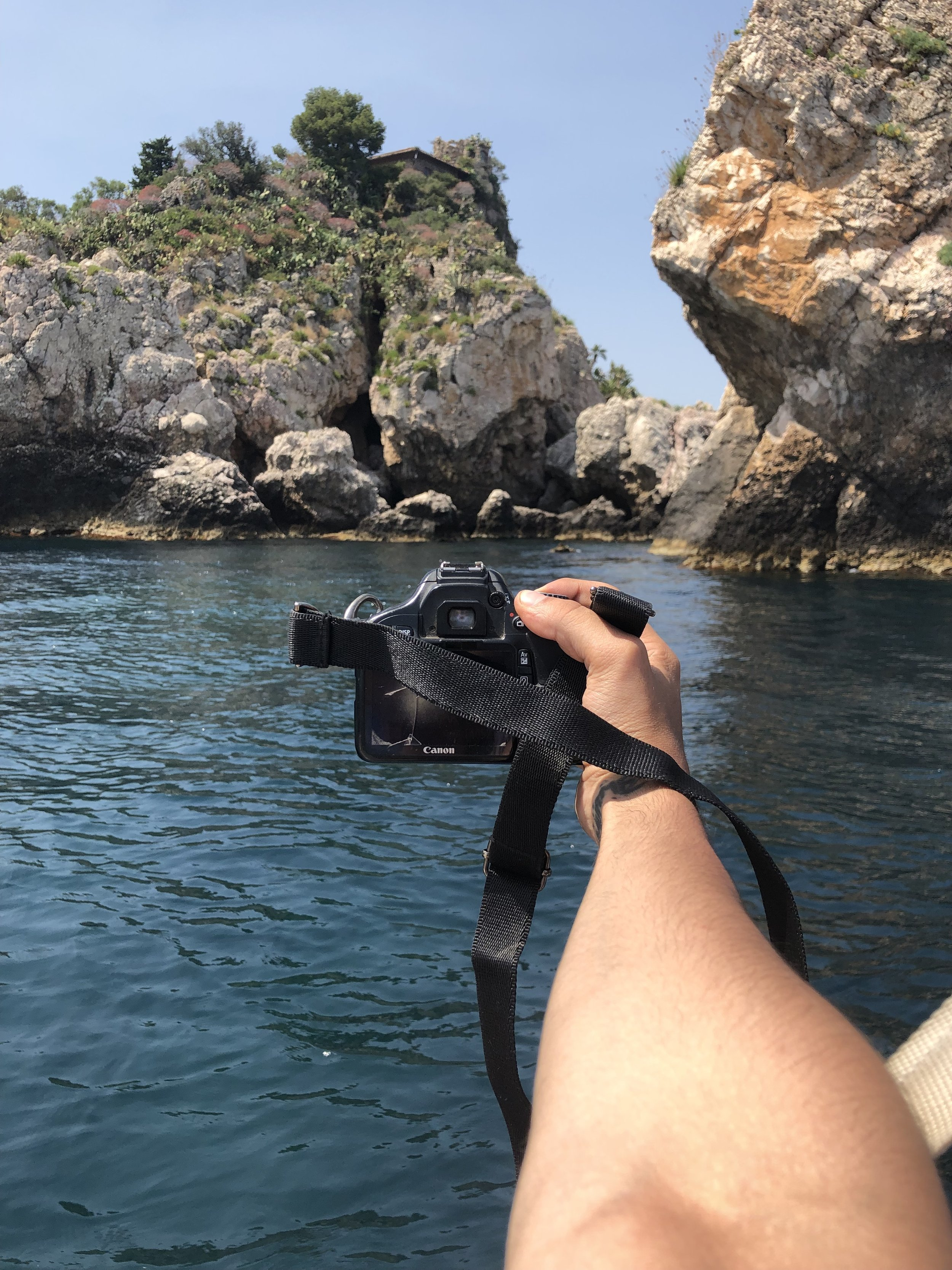 ISOLA BELLA, TAORMINA, SICILIA - 3 AGOSTO 2019 - Getting my mind lost thru the Sicilian coastline and the many fascinating locations of this area. I think I need to get a diving license after this trip!