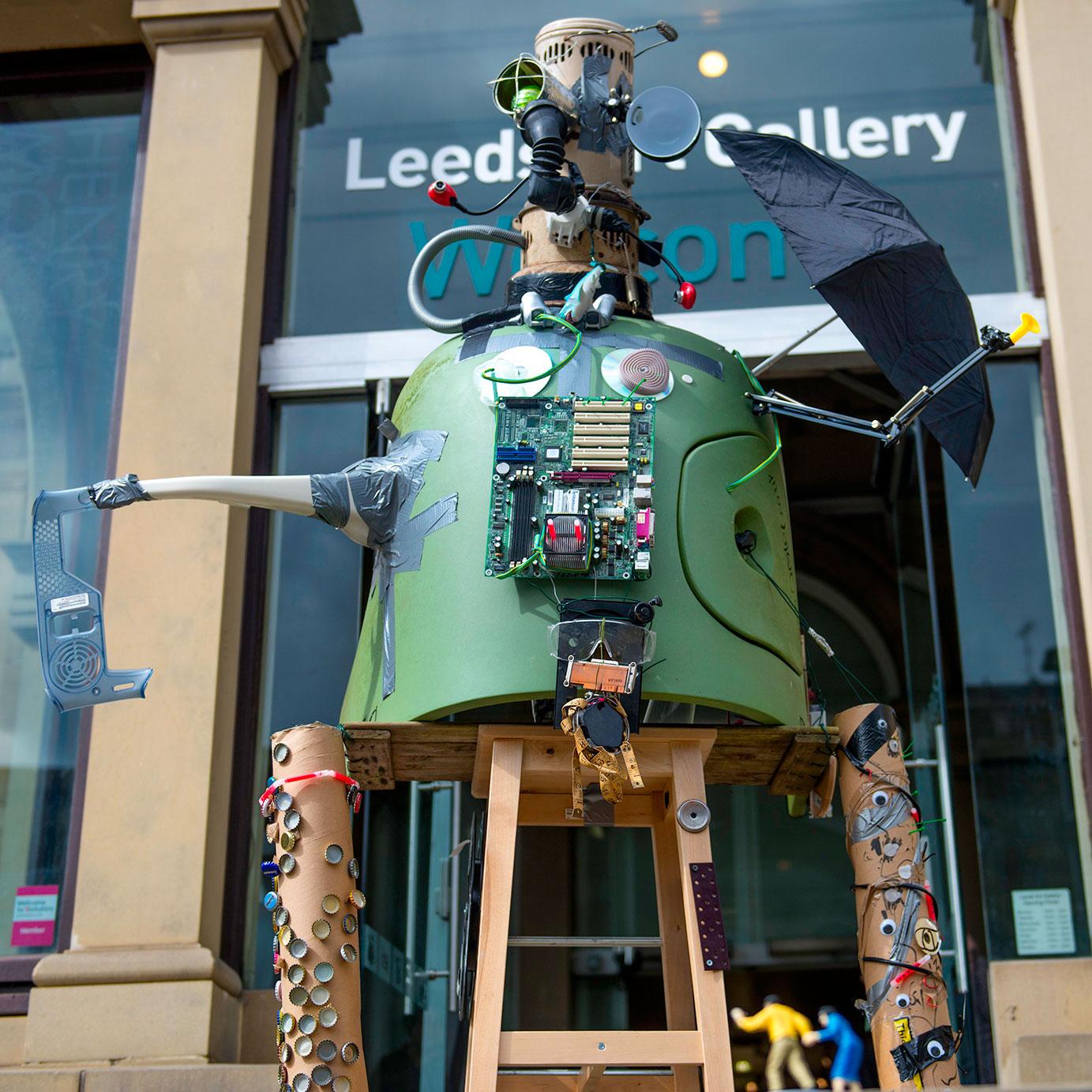 Robots-&-Dens-web1.jpg