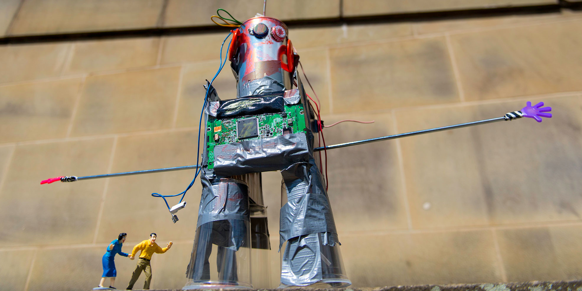 Robots-&-Dens-web5.jpg