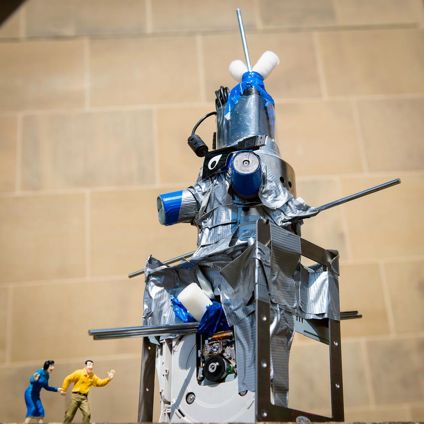 Robots-&-Dens-web14.jpg