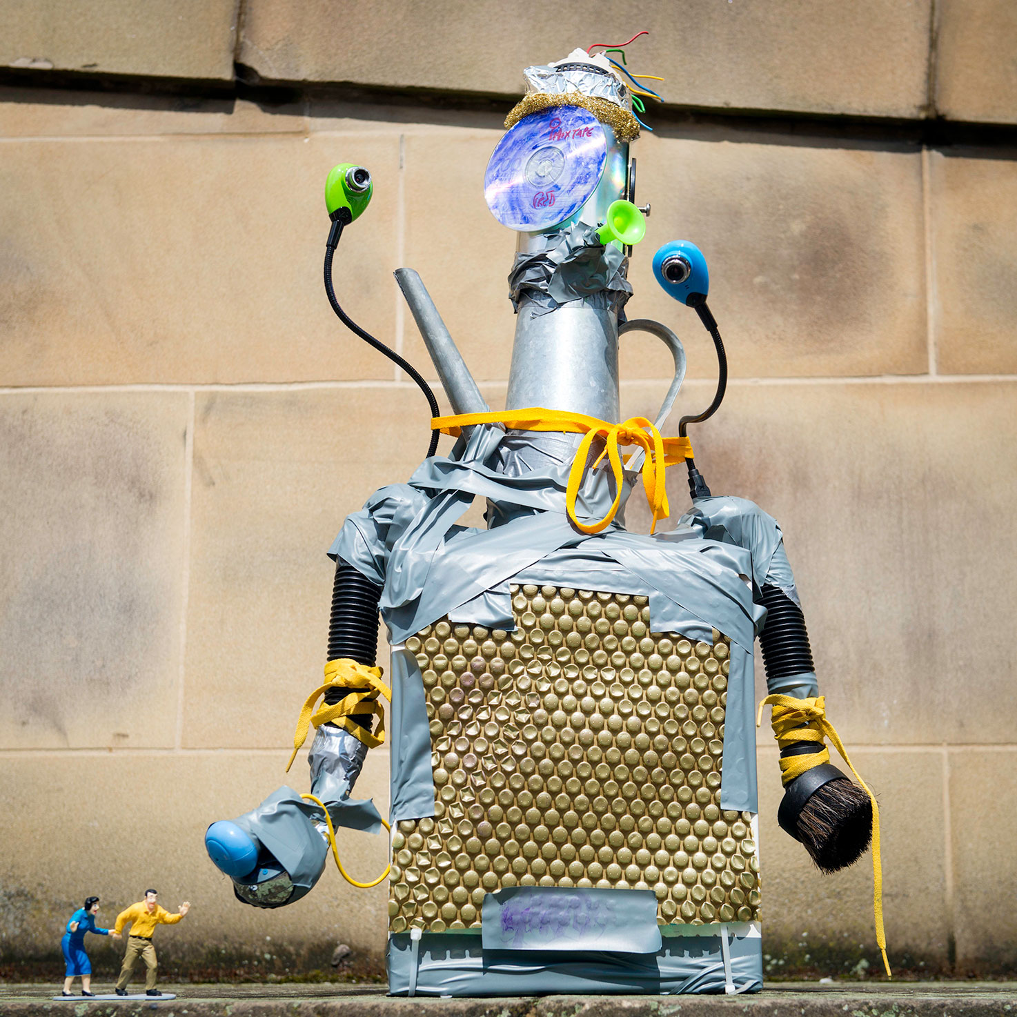 Robots-&-Dens-web13.jpg