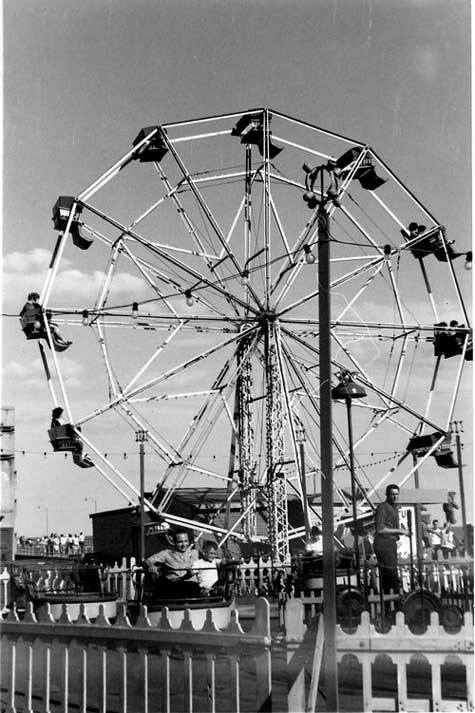 Boardwalk Gruberg's Ferris Wheel 1 Joe Behar Dr. Tydings.jpg