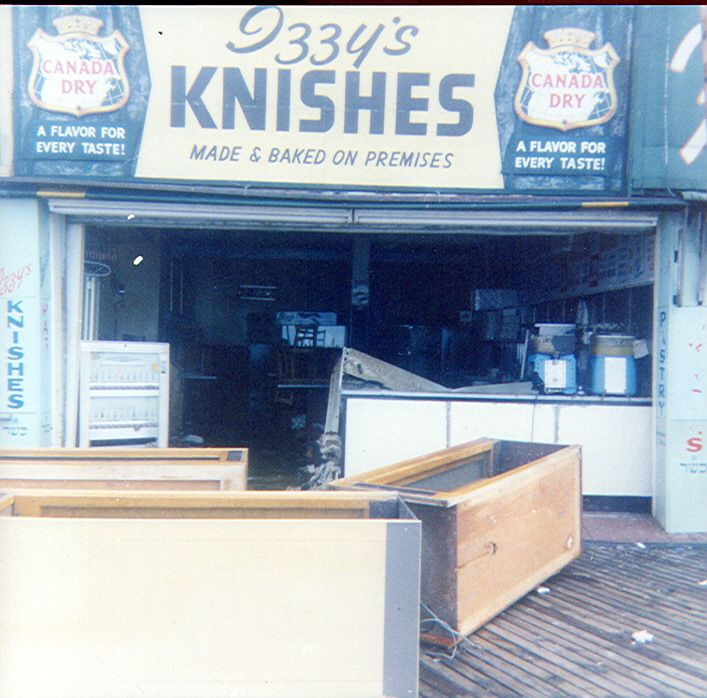 Boardwalk Izzy's Knishes 3.jpg