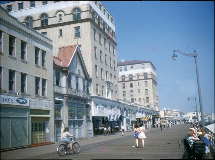 Boardwalk Magnolia and National Looking East 1948.jpg
