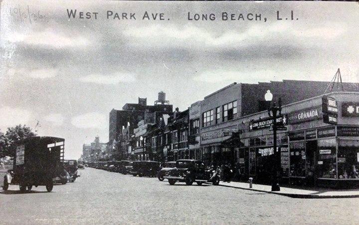 Park Ave Looking East Granada Drugs 1935.jpg