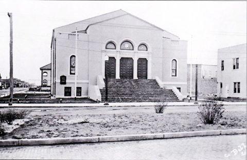 Temple Israel 1922 Riverside Walnut.jpg