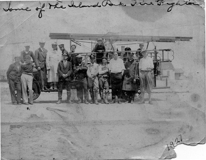 Island Park Fire Fighters, 1927.jpg