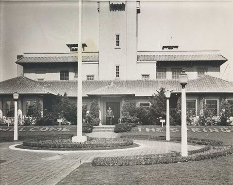Long Beach City Hall  Original.jpg