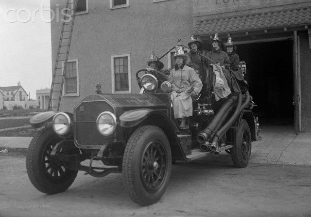 Fire Dept June 1, 1924 probably staged for the women's suffrage movement at the old firehouse behind the original City Hall. (rig is a 1922 American LaFrance Type 75, 750gpm).jpg