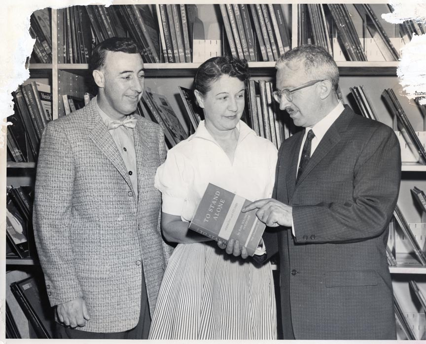 LONG BEACH PUBLIC LIBRARY 1957 LESTER LEWIN, MARION SEAGRIFF, RABBI SOLOMON GOLDFARB 1.jpg