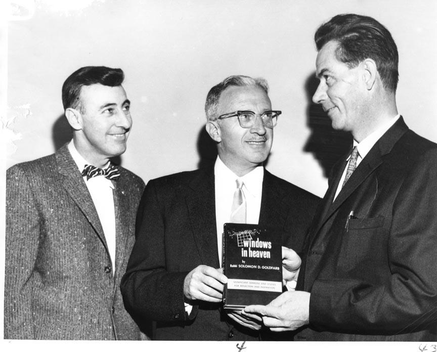 LONG BEACH PUBLIC LIBRARY 1960 LESTER LEWIN RABBI SOLOMON GOLDFARB 2.jpg