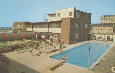 Hotel Jackson Pool.jpg