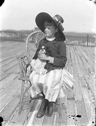 Hotel Long Beach 1890 Cottages Guest Girl Dog.JPG