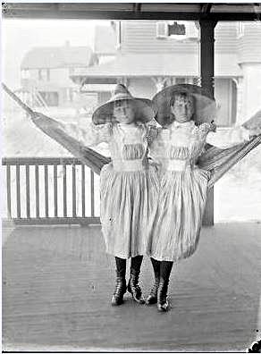 Hotel Long Beach 1890 Cottages Guest Girls On Hammock.JPG