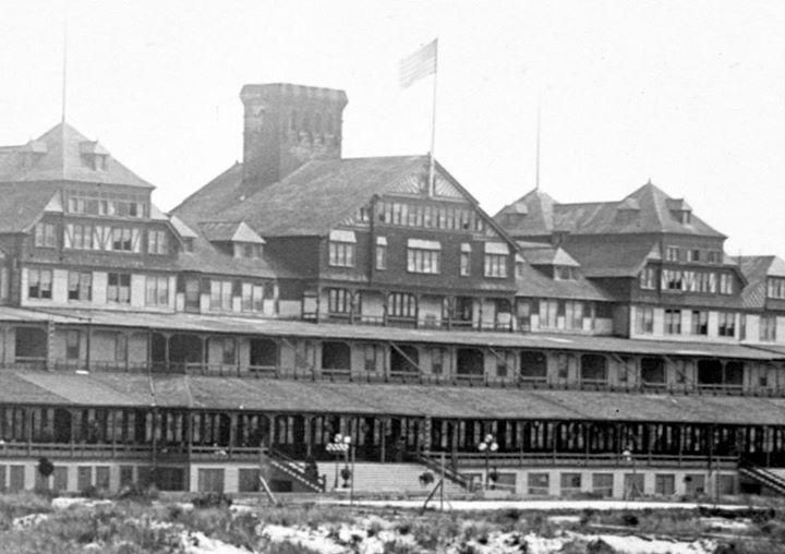 Hotel Long Beach 1904 Great Chimney.jpg
