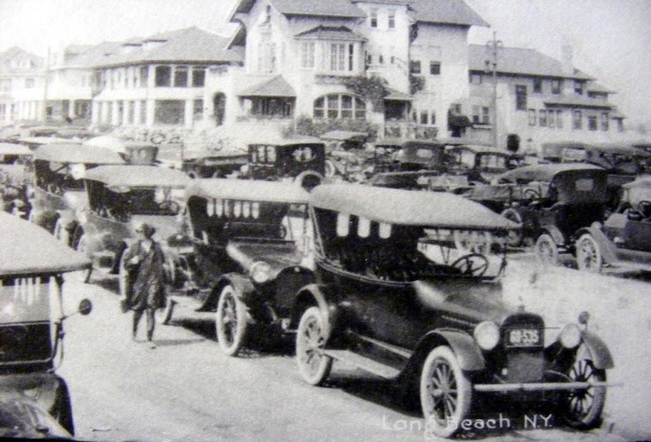 Hotel Long Beach 1912 Cottages.jpg