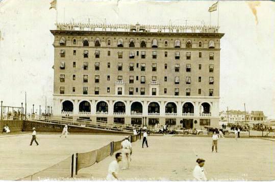 Hotel Nassau 1919 Tennis Courts 2.jpg