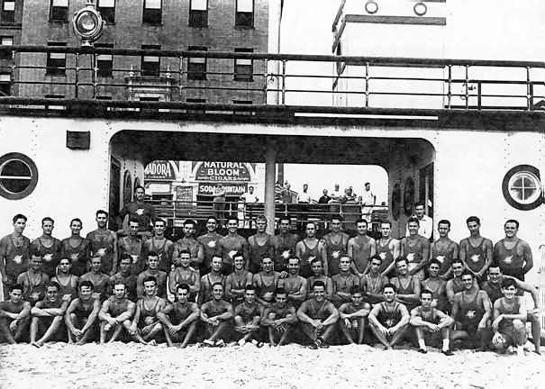 Long Beach Lifeguards 1940.jpg