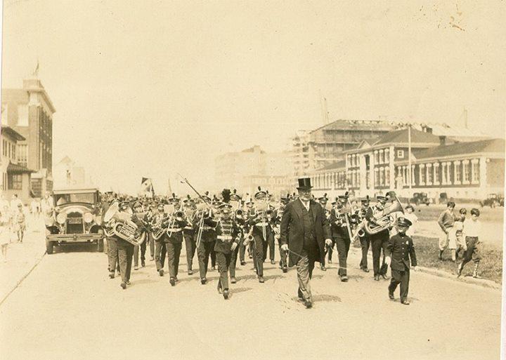 Long Beach Memorial Day Parade 1920's.jpg