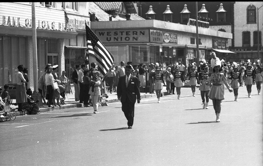 Long Beach Memorial Day Parade City Manager M 2.jpg