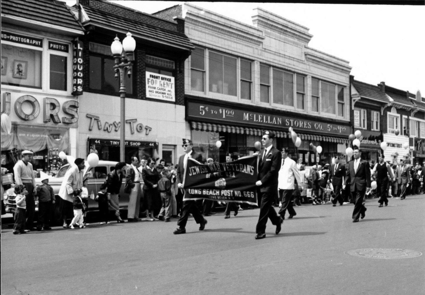 Long Beach Memorial Day Parade McLennan West Park Avenue Dr. Tydings.jpg