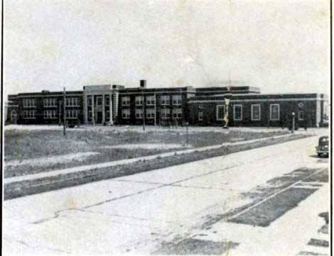 Long Beach Schools East  1930.jpg