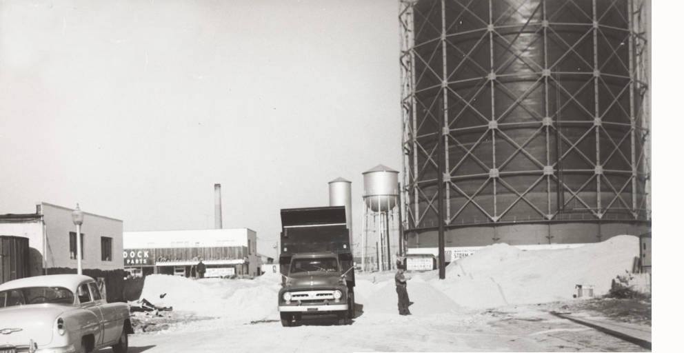 State St 1954 Water Tower.jpg